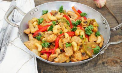 Poulet sauté aux noix de cajou – Recette du livre THAÏ (hachette cuisine)