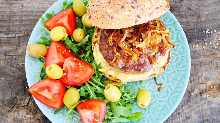 Hamburgers au barbecue weber