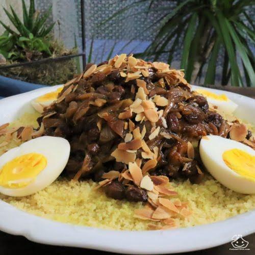 Couscous oignons raisins secs poulet – Le couscous Tfaya