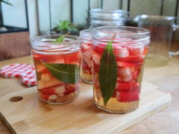Comment faire des pickles ? Ici au radis rose