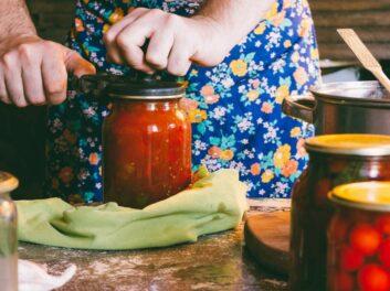 Étiqueter ses bocaux pour lutter contre les mites alimentaires : comment ça marche ?