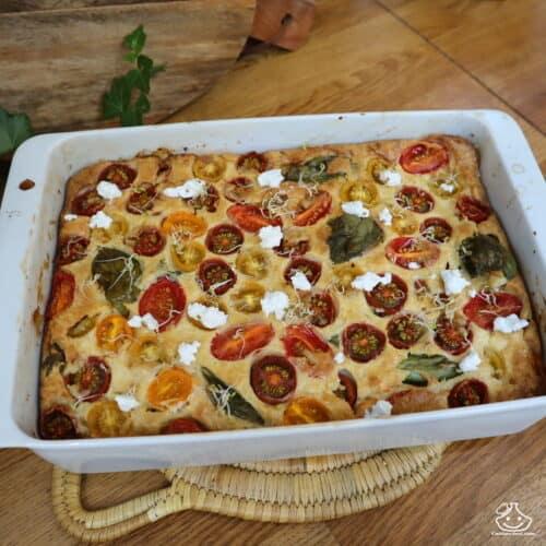 Clafoutis salé au chèvre frais et aux tomates cerises