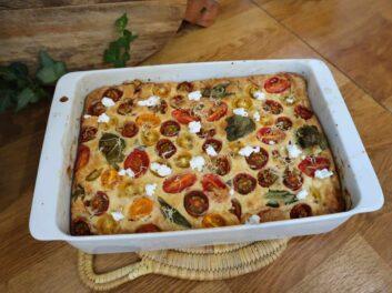 Clafoutis salé au chèvre frais et tomates cerises